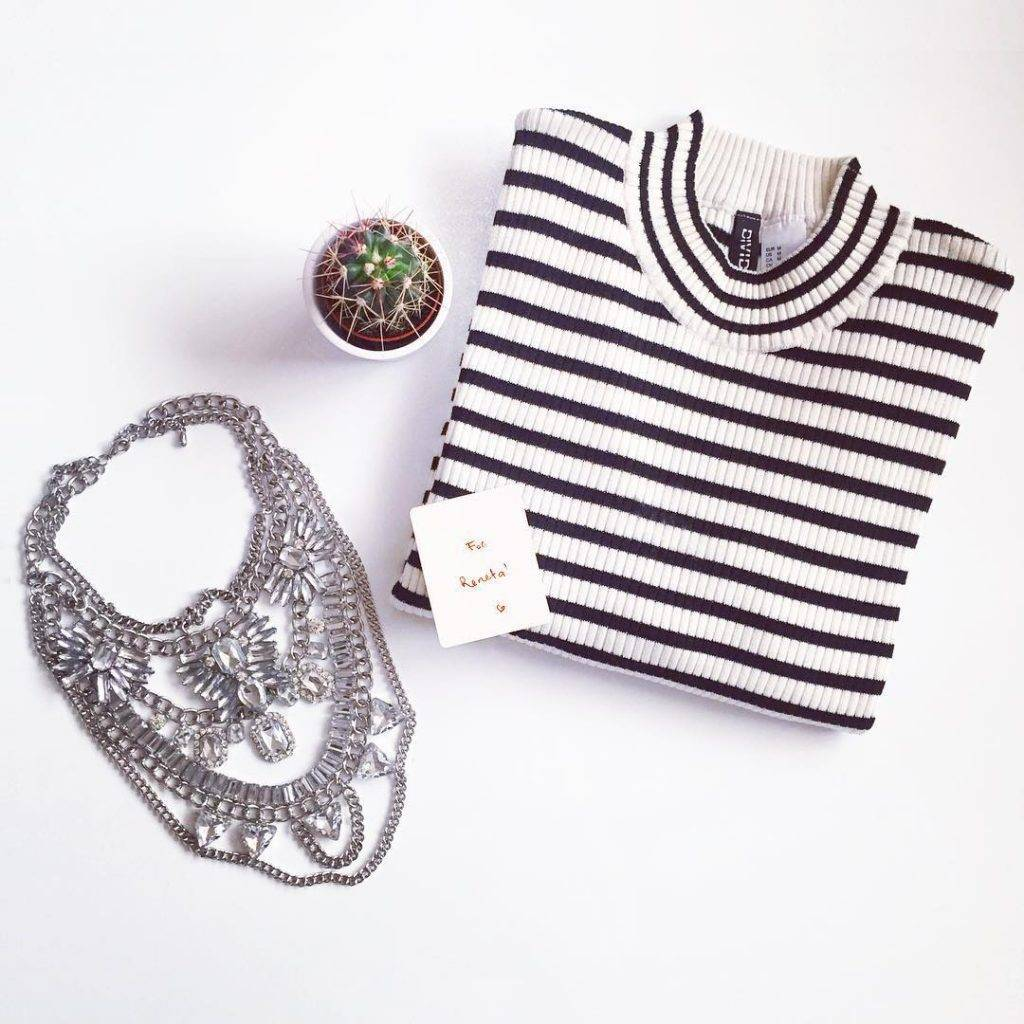 Thank you @happinessbtq for this beautiful necklace ❤️ Use my discount code: fashionbyreneta when you shop. The outfit post will be up on my blog very soon! #necklaces #cactus #silver #white #minimal #discounts #fashion #fashionista #morning #essentials #shop #giftsforher #accessories #stylish #boutiques #giftideas #sweater #couponcodes #ootd #instagrammers #instadaily #instamood #beautiful #stripes #girly #handm #styling #love #bulgarian #fashionblogger